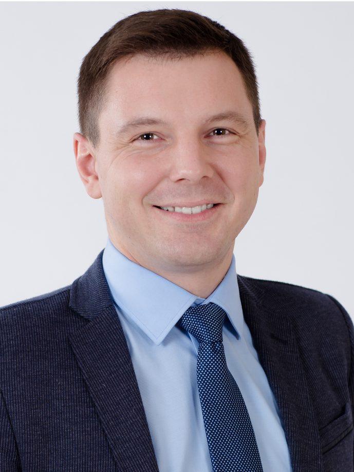 dr. Bogdan Voisiat