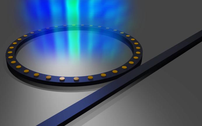 SOI optinis žiedinis rezonatorius su sukurtais aukso nanodiskais.
